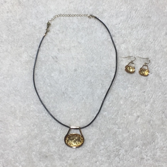 Jewelry simple gold pendant necklace and earrings poshmark m5b78273fd365be9298cbfaa1 aloadofball Images